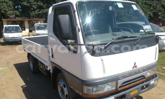 Buy Mitsubishi Canter White Truck in Limbe in Malawi
