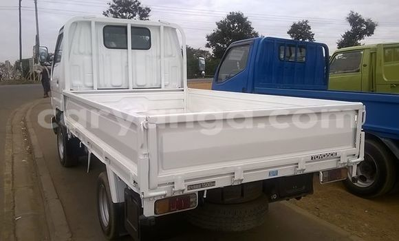 Buy Toyota Hiace White Truck in Limbe in Malawi