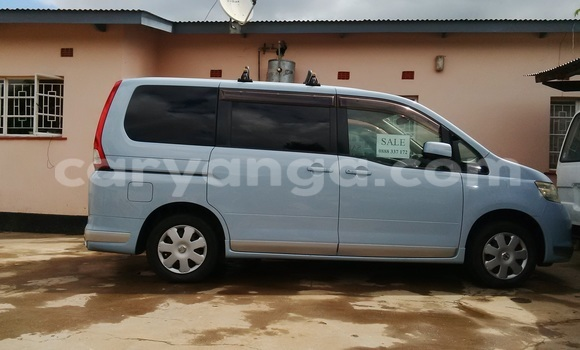 Buy Nissan Serena Blue Car in Blantyre in Malawi