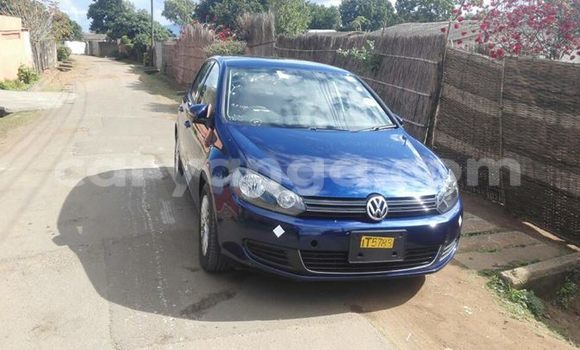 Buy Volkswagen Golf Blue Car in Limete in Malawi