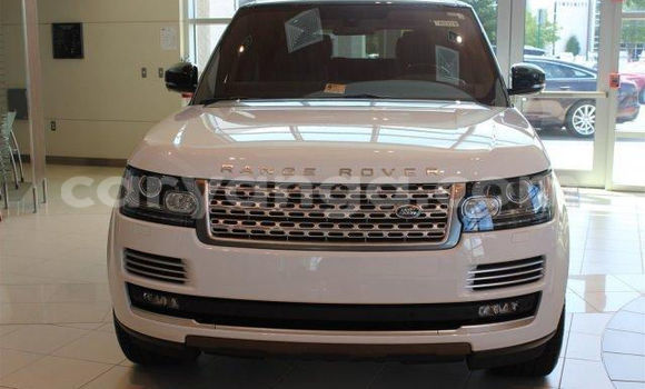 Buy Land Rover Range Rover White Car in Lilongwe in Malawi