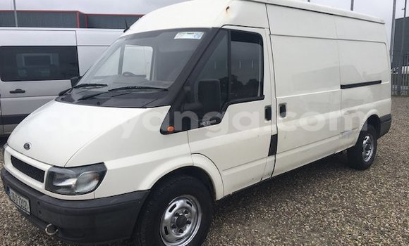 Buy Ford E-Series Van White Car in Lilongwe in Malawi