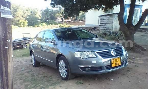 Buy Volkswagen Passat Beige Car in Blantyre in Malawi
