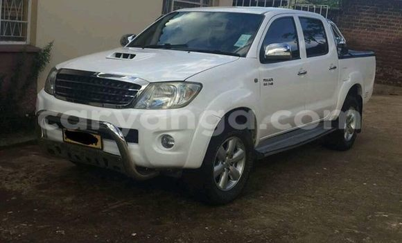 Buy Toyota Hilux White Car in Limete in Malawi