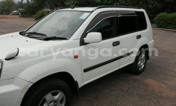 Buy Nissan X-Trail White Car in Limete in Malawi